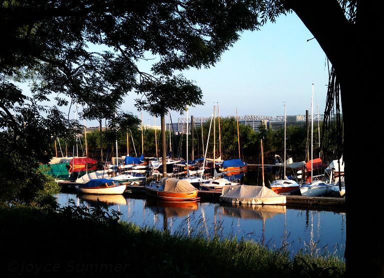 Abendstimmung kleiner Hafen bei Hamburg